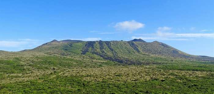 大島 火山が作ったダイナミックな自然を堪能できる島!