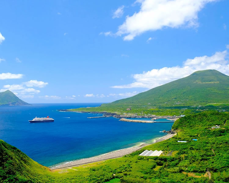 自然溢れる東京の島々 伊豆諸島・小笠原諸島